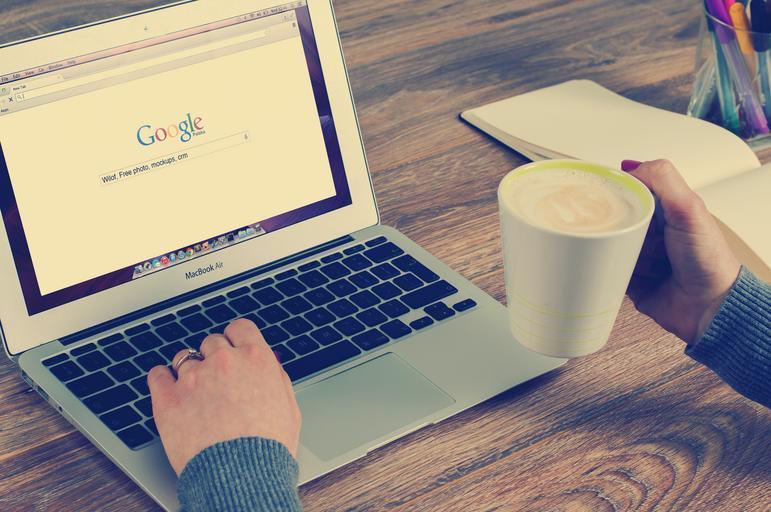 google na notebooku.jpg
